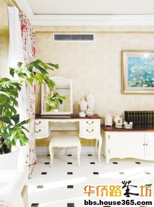 这类家具多是以白色为主色调