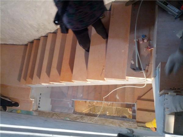 南京法瑞楼梯之法瑞楼梯水泥基础上木工板找平铺实木