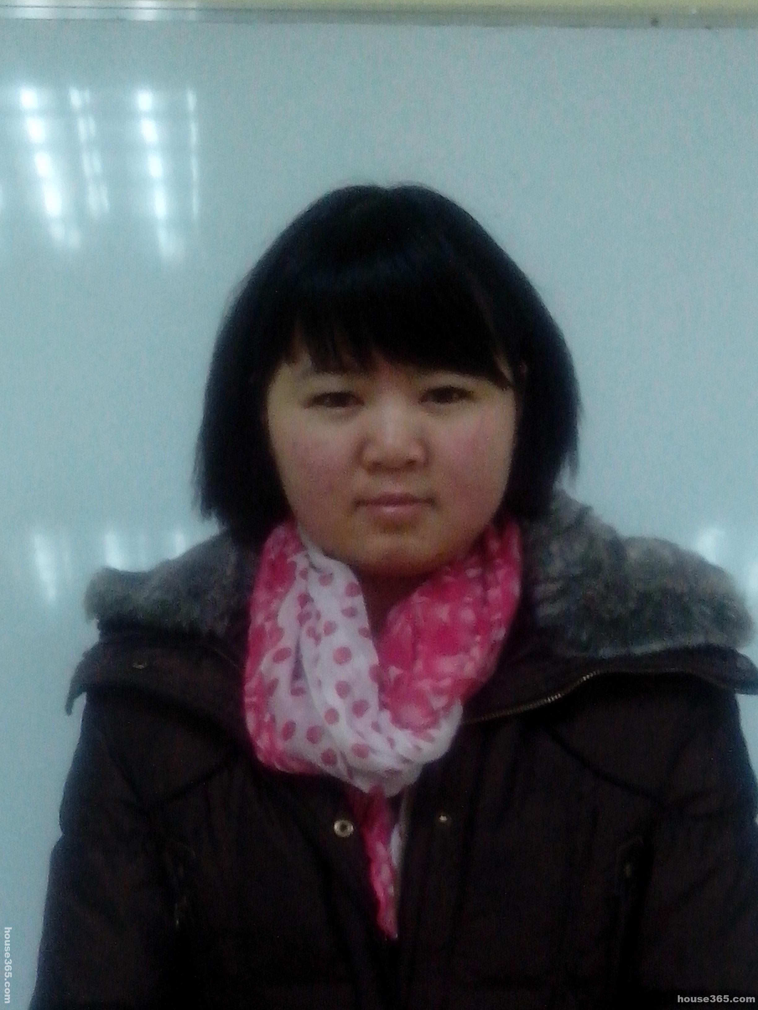 南京服装设计师周婷