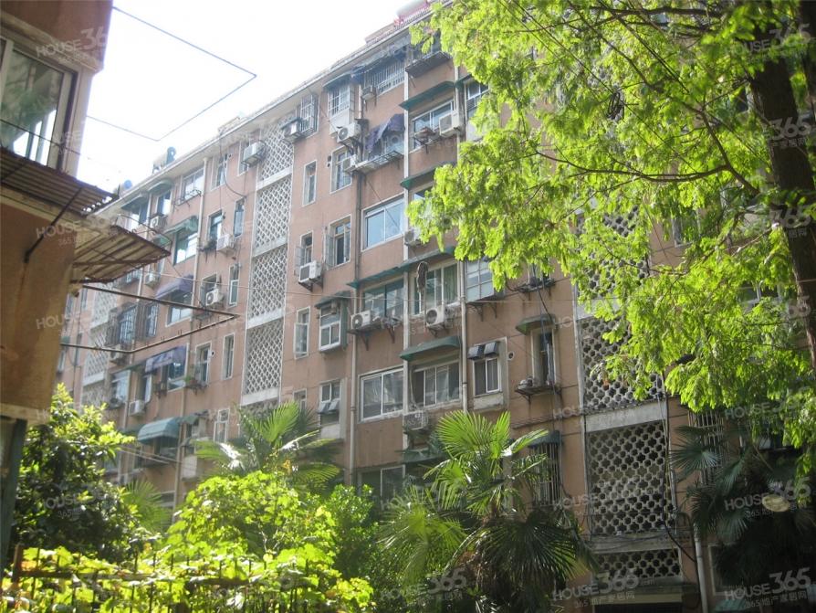顺驰优选 南小42楼层好正规小区精装三房采光刺眼房主诚心出售