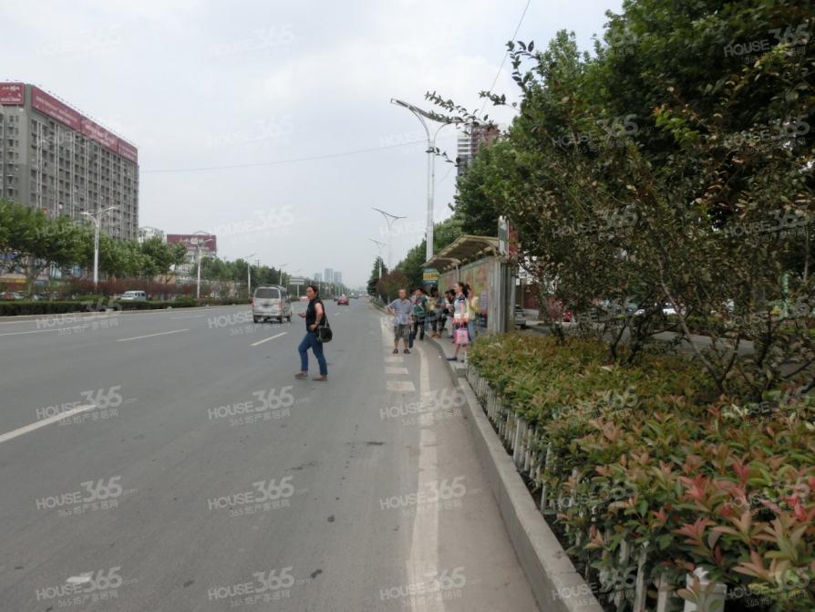 丽都雅苑99.09平米2004年营业中简装