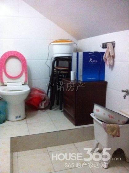 春江新城两室一厅 精装修 送阁楼送地下室