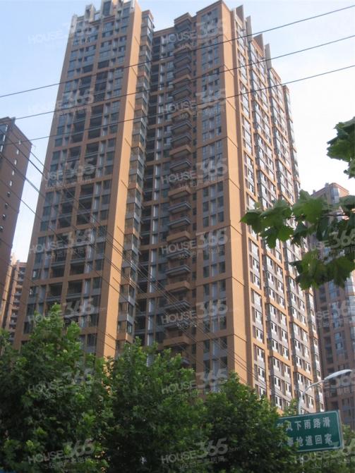 繁华地段 紧邻地铁三号线 双学区 翡丽时代广场 南北通透 正规4室