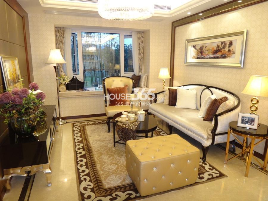 天阳尚城国际c户型90方样板房——客厅