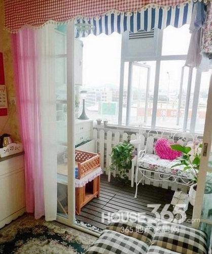 小阳台装修效果图:卧室小阳台韩式风情设计
