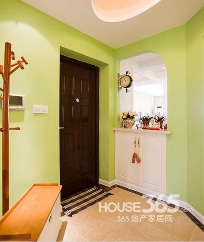 90后萌女晒110平米装修:入门玄关,一进门就看到淡绿色的墙