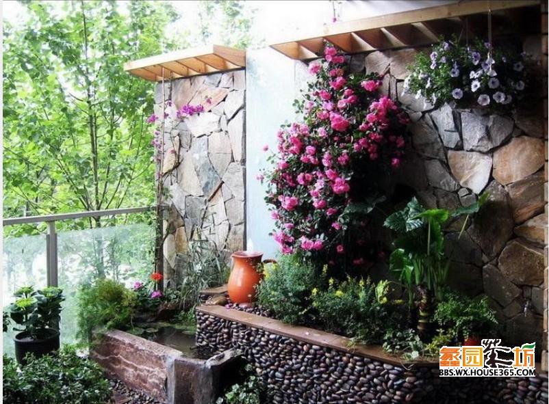 比较有东南亚风情,简易的墙面石材与地面石材,草植相融的很自然,墙顶